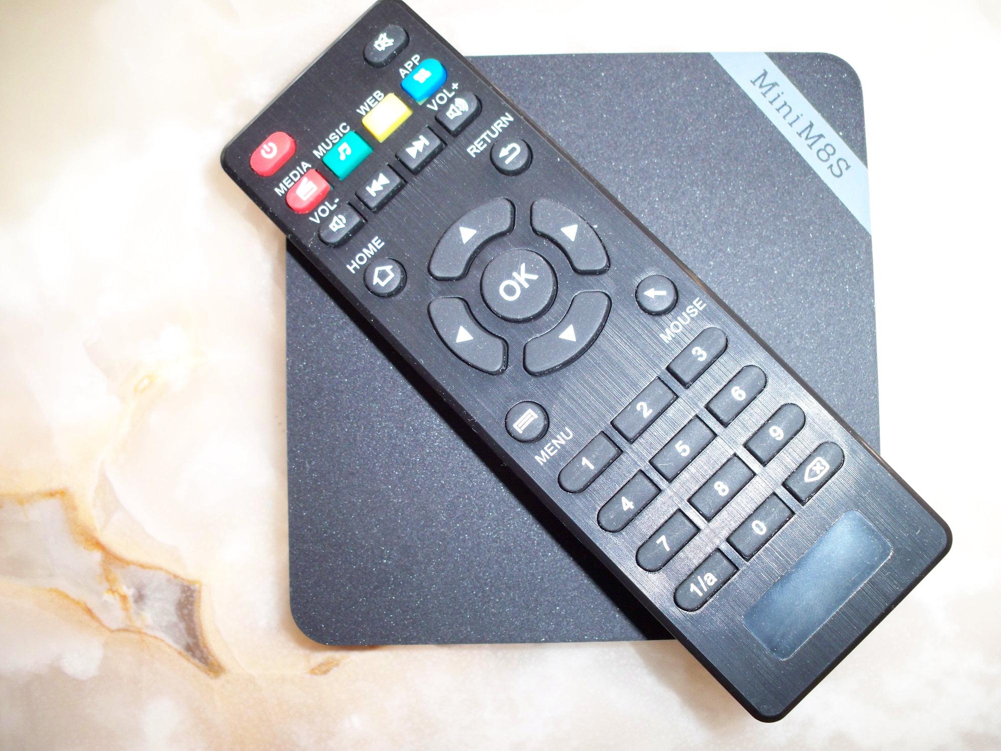 mini-m8s-ii-con-telecomando
